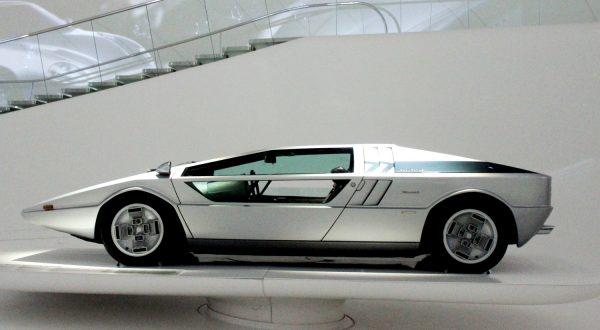 Maserati Boomerang concept car by Giorgetto Giugiar