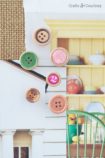 DIY with Buttons, Thumbtacks!